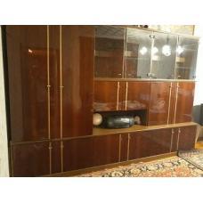 Мебель. Стенка (шкаф и две витрины с нижними шкафчиками)
